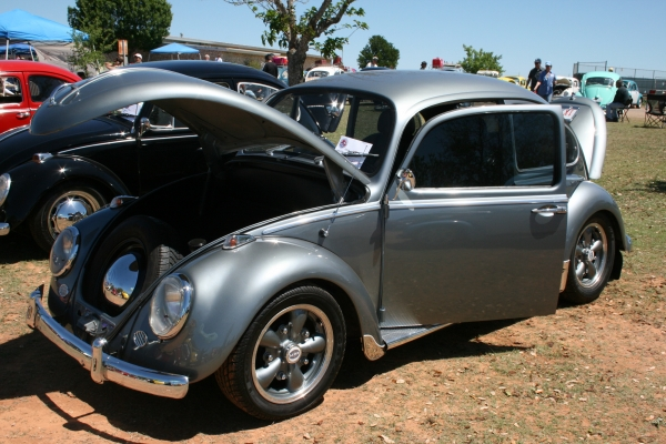 vintage rusty bug to fix .