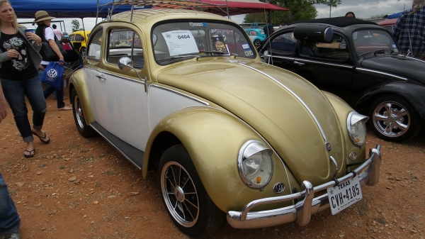 princesa (#0404) - 1961 Gold and white Beetle