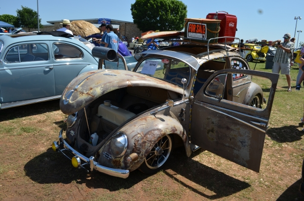 Lola (#0110) - 1956 Beige Patina Beetle - Split/Oval