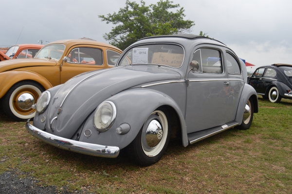 Cal-Tex (#0114) - 1955 Beetle - Split/Oval