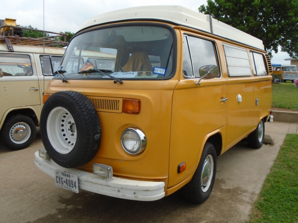 mr. bus (#1403) - 1976 yellow Bus - Bay Window