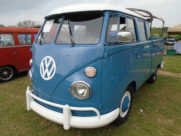 #1506 - 1963 Dove Blue Bus - Split Window Double Cab